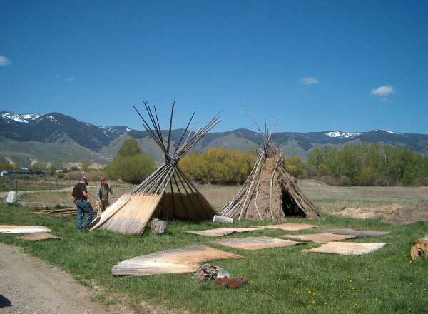 outdoor-school-tepees-1