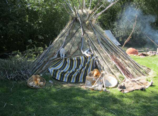 outdoor-school-tepees-2
